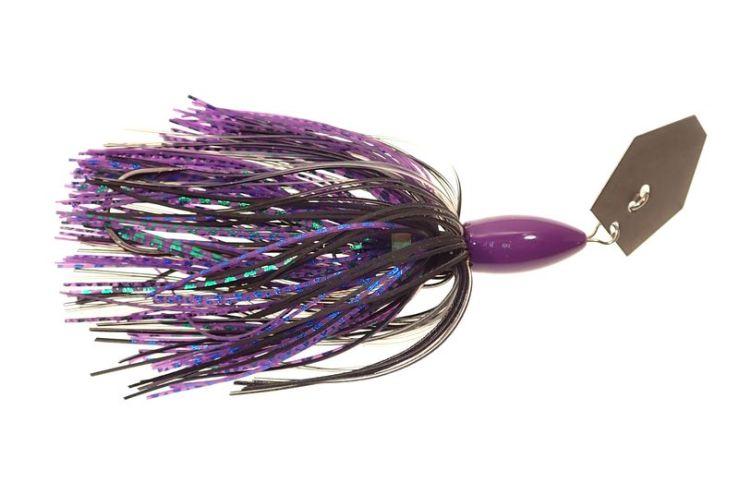 C03 : Tête violette, jupe noire et violette.